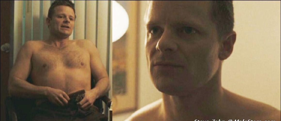 Steve Zahn nude photo: www.gay-male-celebs.com/freemalestar/hollywood/steve-zahn.html